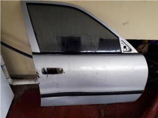 Puerta derecha Toyota Corolla 98-02, Puerto Rico