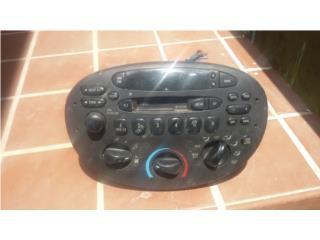 radio de Ford  en $30, Puerto Rico