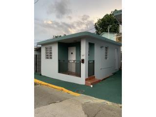Acogedora casa en Aguadilla, incluye enseres
