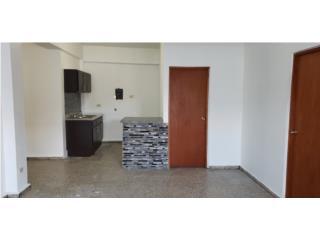 Apartamento de 3 cuartos en Juncos, remodelad