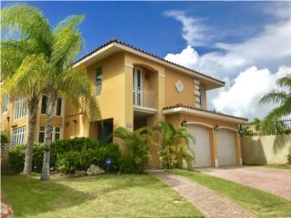 Elegant villa furnished and ready to move