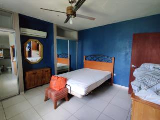 Apartamento con baño privado