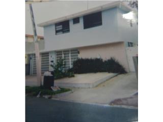 Casa de dos unidades de vivienda