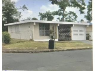 CV casa esquina colindando Ave 199 Bayamón