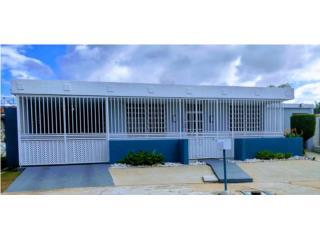 Villa Carolina 5h/3b $175,000