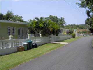 1 acre with 3 houses Bo. Martineau