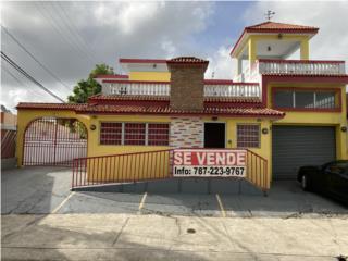 Santa Juanita-Casa de uso mixto en plena Ave.