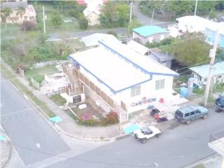 Casa en Culebra con Vista al Mar y 3 Apt.