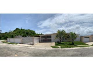 Urb.Santo Tomas, Naguabo, casa esquina 152k