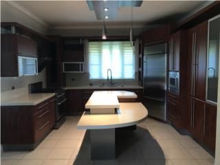 Bella propiedad, barrio Ceiba Alta, $490,000