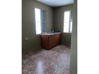 Residencia en Barrio- Rincon Sabana Grande