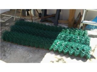 Rollos Cyclone Fence Forrados en Vinyl Verde, Puerto Rico