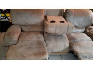 Set de sofa y love seat recliner casi nuevos, Puerto Rico