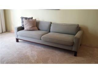 Sofa grande de uso, MUY BUENAS condiciones, Puerto Rico