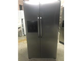 Frigidaire side by side stainless steel , Puerto Rico