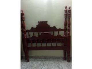 Preciosa cama antigua de PILARES, Puerto Rico