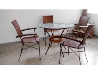 Mesa de Comedor con 4 sillas Rattan  , Puerto Rico