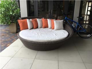 Hermosa cama redonda para exterior, Puerto Rico