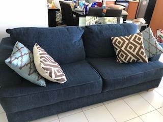 sofa grande Azul , Puerto Rico