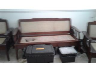 Muebles antiguos y cama en caoba, Puerto Rico