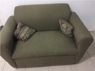 Sofa verde para dos personas, Puerto Rico