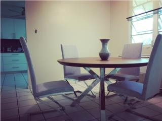 Se Vende mesa como nueva por motivos de viaje, Puerto Rico
