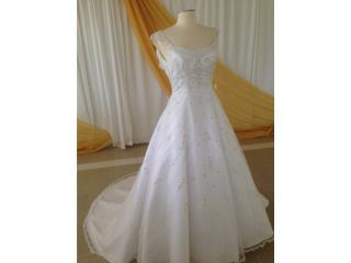 traje de novia blanco bordado plata talla 2/ 0 , Puerto Rico