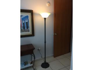 Lámpara de Piso, Puerto Rico