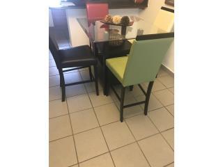 Juego de comedor moderno, Puerto Rico