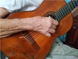 Guitarra Antigua de Los Panchos, Puerto Rico