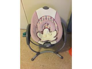 Mecedora para bebe color violeta $45, Puerto Rico