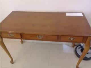 mesa escritorio en madera, Puerto Rico