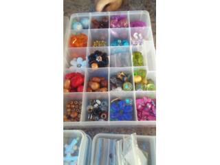 Se vende cajas con piedras para hacer prendas, Puerto Rico