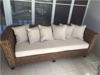 Sofá y Love seat $1,700mimbre de India origin, Puerto Rico