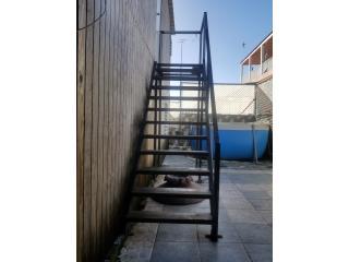 Escalera en tubo galvanizado y angular, Puerto Rico