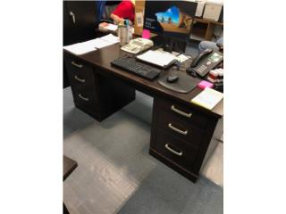 2 escritorios de oficina, Puerto Rico