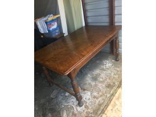 mesa de madera antigua de la biblioteca de vi, Puerto Rico