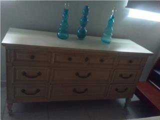 Dresser de mas de 50 años, Puerto Rico