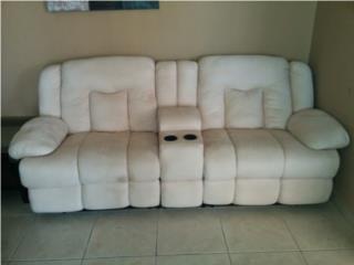 Sofa Color Crema - Se vende por falta de uso, Puerto Rico