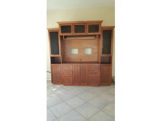 Mueble de entretenimiemto en madera, Puerto Rico