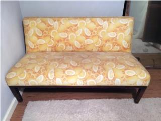 Sofa comodo tipo butaca patrón de limones, Puerto Rico