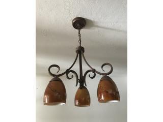 Bella lámpara colgante de tres copas , Puerto Rico