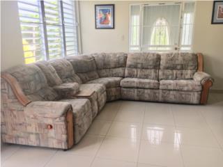 Mueble seccional con don butacas reclinables , Puerto Rico