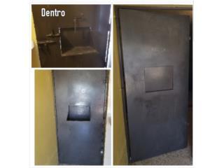Puerta de seguridad en hierro Tola, Puerto Rico