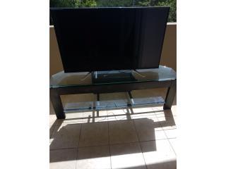 Se vende tv con la mesa, Puerto Rico