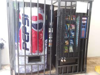 Maquinas de snacks y refrescos con las rejas., Puerto Rico