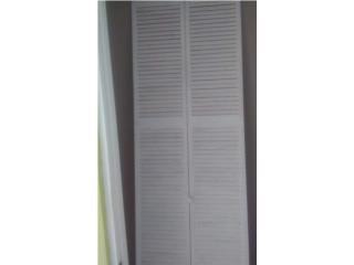 Una Puerta Closet 30
