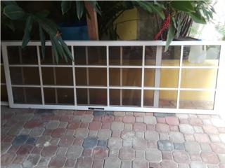 2 puertas corredizas  sliding doors, Puerto Rico