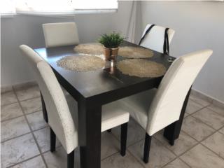 Se vende mesa de comedor con 4 sillas, Puerto Rico