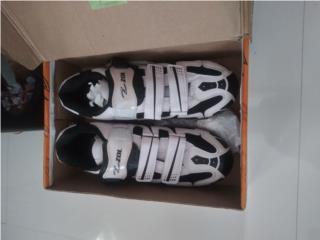 Zapatillas size 44 , Puerto Rico